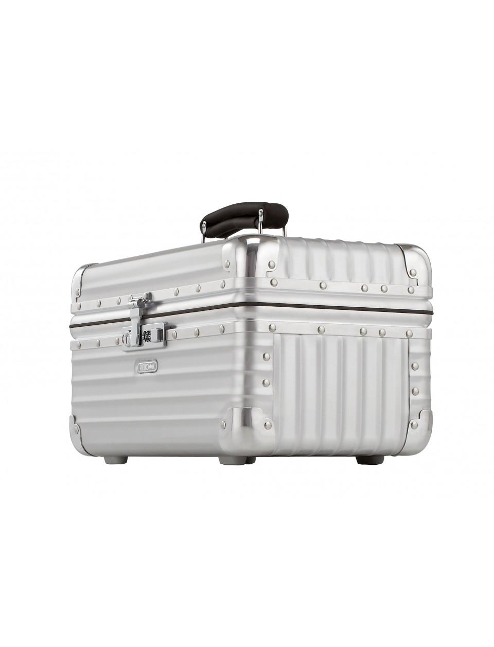rimowa classic flight beauty case. Black Bedroom Furniture Sets. Home Design Ideas